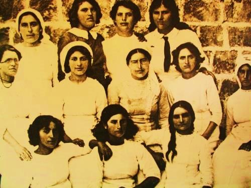 חוות העלמות מיסודה של חנה מייזל, שם עבדה גם רחל בלובשטיין (לימים המשוררת רחל)
